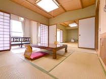 *和室二間(客室一例)/川のせせらぎを聞きながらのんびりな休日をお過ごし下さい。