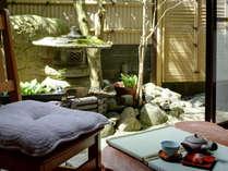 *源泉掛け流し露天風呂付和室14畳/部屋毎に設えが異なります