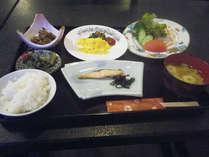 *【朝食全体例】1日を乗り切るエネルギーは朝ごはんをしっかり食べて補給。