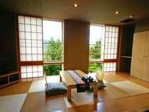 201号室小上がり畳敷きの部分が大きくとられているお部屋です。