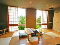 201号室:箱根の山々を眺められ、当館大人気のお部屋タイプです。