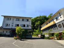 *【当館外観】豊かな緑に囲まれた旅館浦島は尾道の自然を感じる場所にございます。