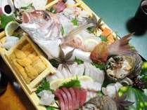 ◆グレードアップ懐石:その日仕入れた瀬戸内の魚介を豪華な船盛りに!写真は4人前です。