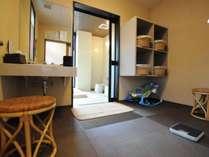◆貸切風呂:4名様までご利用いただける貸切家族風呂。詳しくはお問合せください。