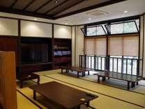 ◆うら湯:休憩スペース。広々空間でのんびり