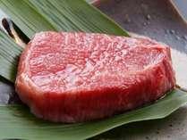 【ステーキ御膳】分厚いお肉で、食べ応え十分です。