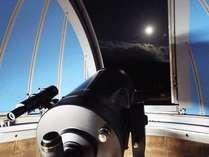天体望遠鏡で月を見る