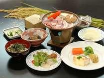 自家製食材をふんだんに使用した、女将手づくりのお夕食一例です。