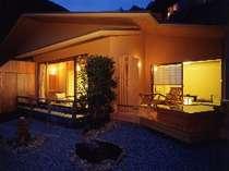 ■風花-Kazahana-■12.5畳にベットルーム、庭面の露天風呂がついたお部屋です。