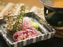 ■奥美濃古地鶏■ ふっくらとした肉厚な旨み。鶏肉の本当の美味にぜひ触れてください