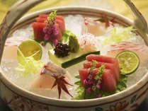 ~各月とっておきのお魚を揃えております。旬味そのまま、新鮮なお造りでお出したします