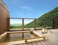 濃尾平野を望む名月露天風呂