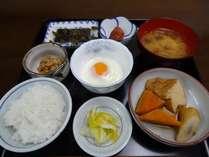 厚揚げの入ったある日の朝食、日替わりでご用意しています。