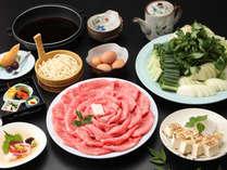 ≪近江牛すき焼き/御食事一例≫卵をたっぷりつけてお召し上がりください♪