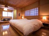 客室「ゆずり葉」です。使い勝手のいい和洋室です。