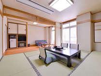 *プチデラックス和室10畳(客室一例)/自然の息吹を感じながら、しっとりと落ち着く和室でお寛ぎ下さい。