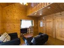 木のぬくもりであたたかなコテージタイプのお部屋
