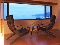海の景色が感動の和室(写真は4階12.5畳)