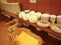【バイキング会場】移動式ベッドやお子様用イス・食器で小さなお子様も安心♪