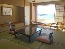 葵館 白良浜ビュー純和室。落ち着いた雰囲気のお部屋です。