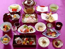 ≪鼻高懐石一例≫当寺では精進料理ではなく旬の食材を使った懐石料理をご用意しております。