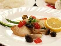 【夕食】魚料理一例。栄養士監修、バランスも味も抜群♪