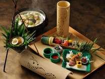 【季節の会席】旬の食材を使ったお料理をご用意しております。