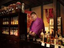 ご宿泊のお客様は約50種類の山の実酒をお食事前にお召上がりいただけます。