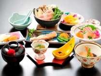 日替わり和食膳【月の山コース】連泊の場合は、メニューを変えてご用意します。