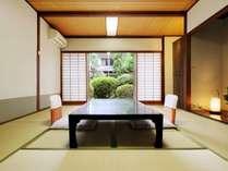 【旧館和室】客室の一例です。トイレ付和室、眺望はお宿おまかせです。