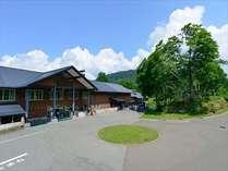 『新玉川 初夏』 新緑と青空が映えます。
