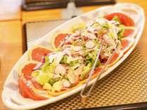 夕食バイキング一例 日替り「野菜たぷり生ハムサラダ」