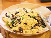 バイキング一例 日替り玉子料理「きくらげと筍」