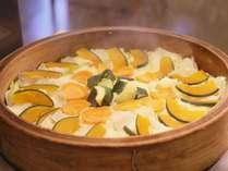 朝食バイキング一例 日替り 「旬野菜の蒸篭蒸し」