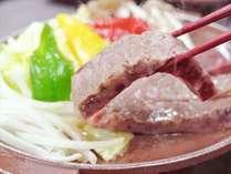 国産牛と比内地鶏のコラボ肉の旨みをお楽しみ下さい。