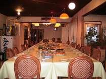 明るく清潔な食堂