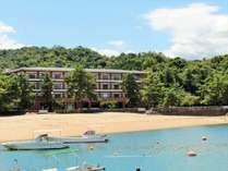 【外観】ホテル前は砂浜♪自然がいっぱいでとっても静かな環境です(*^^*)