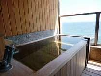 津軽海峡を望む絶景の客室露天風呂