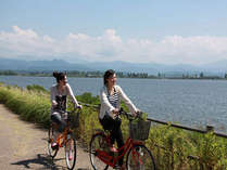 柴山潟湖周は絶好のサイクリングロード