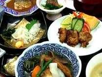 炊き立てご飯とアットホーム栄養バランスを考えた日替わりメニュー和食膳(夕食一例)