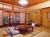 """基本和室8帖。昭和レトロな雰囲気を感じてください。こちらは、""""梅の間""""。"""
