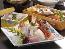 新鮮な魚の5種盛りです☆内容は季節により変わります。