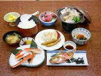 *夕食一例/スタンダードプランは約8品。海の幸を中心にしっかりボリュームがあります!