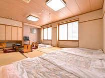 *和室12畳(客室一例)/ご家族やグループに◎お布団は既に敷いてある為、ご到着後すぐにごろんとできます!