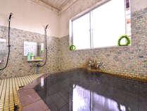 *24時間入浴OK!!塩湯は健康だけでなく、脂肪燃焼、保温、美肌など…美人づくりの湯として人気◎