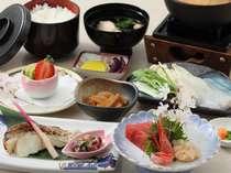 夕食Aタイプ(和食御膳・全8品/季節により内容変更あり。)