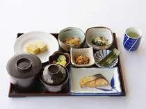 【朝食の一例】メニューは日替わりです☆和食にはお茶が付きます♪