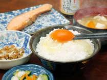 ■朝食一例(弾力のあるたまごは当館朝食のおすすめの1品です)