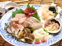 『女将の振る舞い』当館がオススメの旬の海鮮をお造りにしてご提供いたします。
