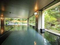 開放感のある広々とした大浴場です。【ご利用時間】15:00~翌日10:00まで